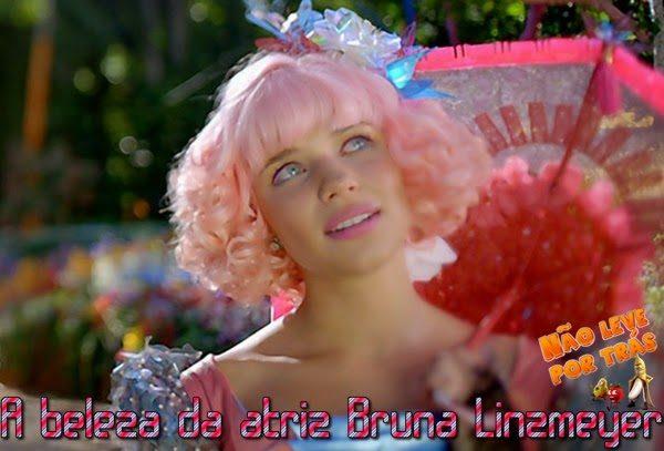 A beleza da atriz Bruna Linzmeyer