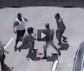 Lutador de MMA impede assalto e da surra em ladrões