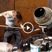 Veja como um Pedreiro metaleiro trabalha na obra