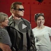 Arnold Schwarzenegger faz pegadinha épica com fãs de Exterminador do Futuro