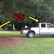 Gênio do dia: O cara que queria derrubar uma árvore com a caminhonete!
