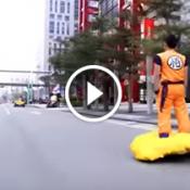 Fã de Dragon Ball transforma hoverboard em uma nuvem voadora
