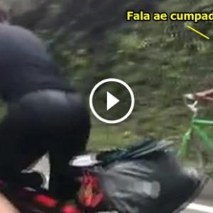 Camponês deixa para trás dois triatletas
