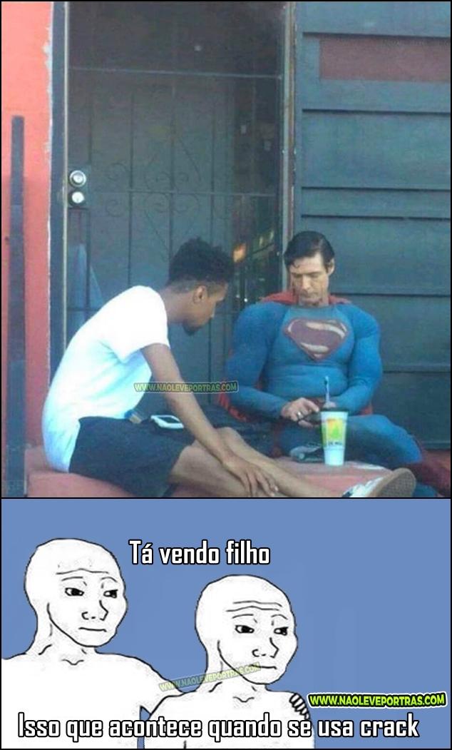 superman na rocha