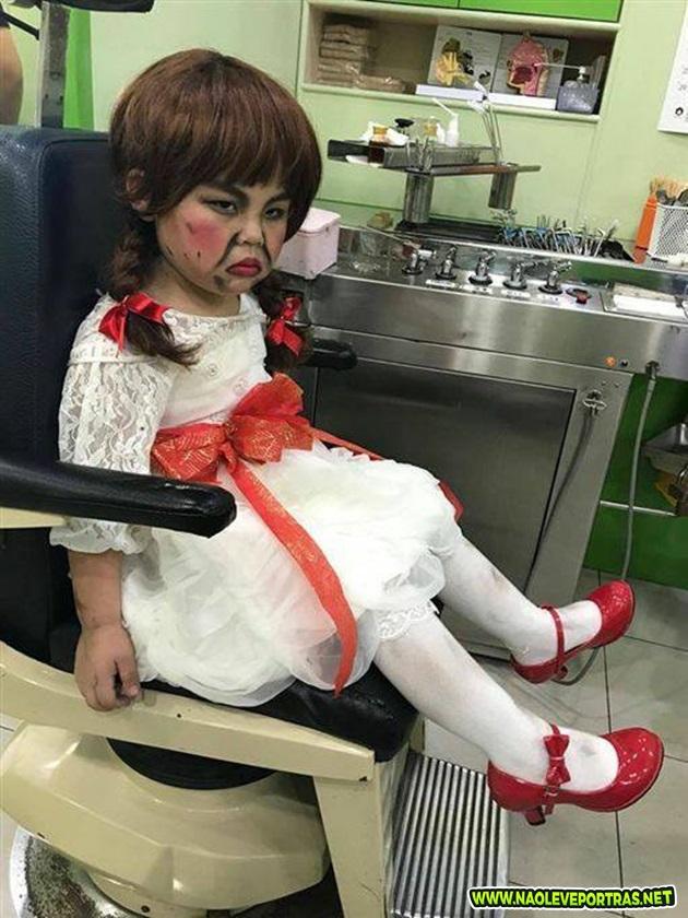 garotinha anabelle-halloween-dentist-2