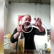 Como é feita a refeição de um cabra macho na china