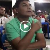 Quando o São Paulo está prestes a fazer um gol, e você não consegue se segurar...