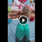Essa estupida atrapalhou o pai de filmar a apresentação de sua filha
