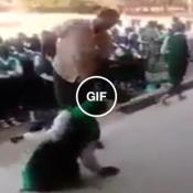 Essa é a punição para quem chega atrasado em uma escola na Nigéria