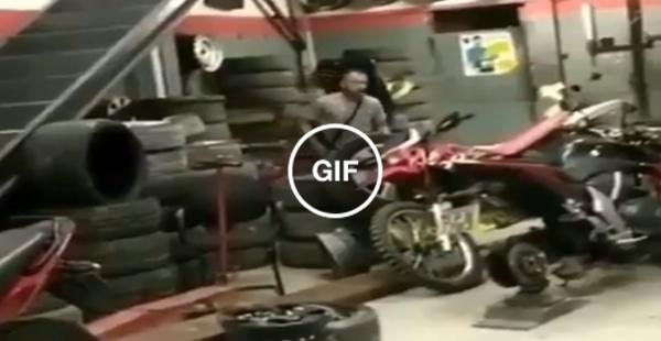 Aquele momento que vc vai buscar a moto que ficou pronta na oficina